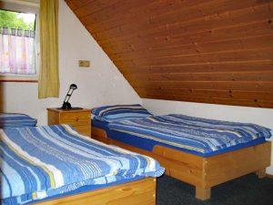 Landhaus Heidi - Ferienwohnung 2 - Schlafzimmer