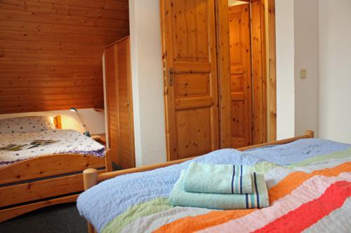 Doppel- und Einzelbett